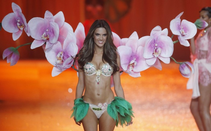 318831-victorias-secret-fashion-show